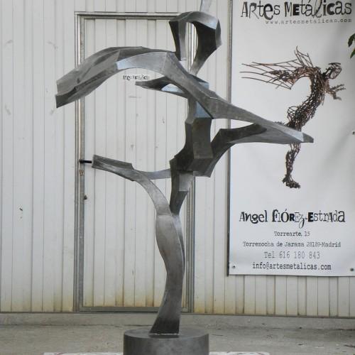 Baile bulería delante del taller (2014) – Artes Metálicas