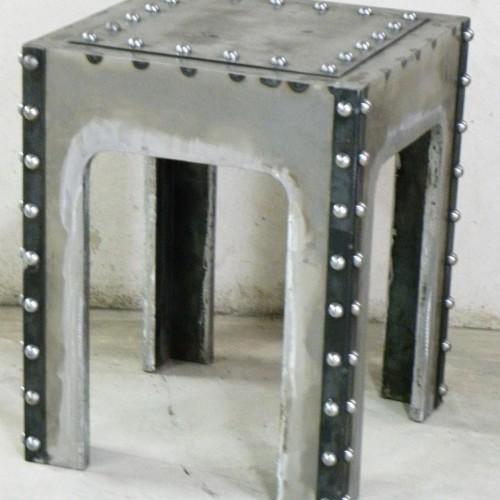 Mesas roblonadas – Artes Metálicas