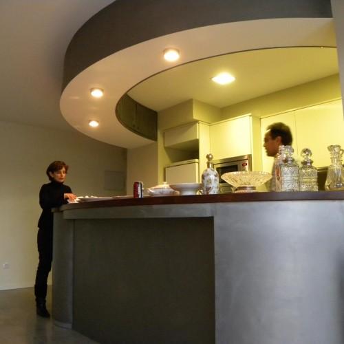 La cocina está detrás del mueble – Artes Metálicas
