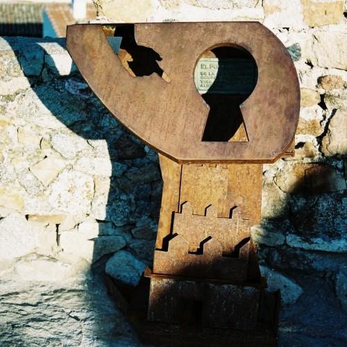Panel informativo muralla de Ávila – Artes Metálicas