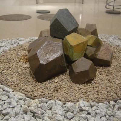 Fuente de poliedros – Artes Metálicas