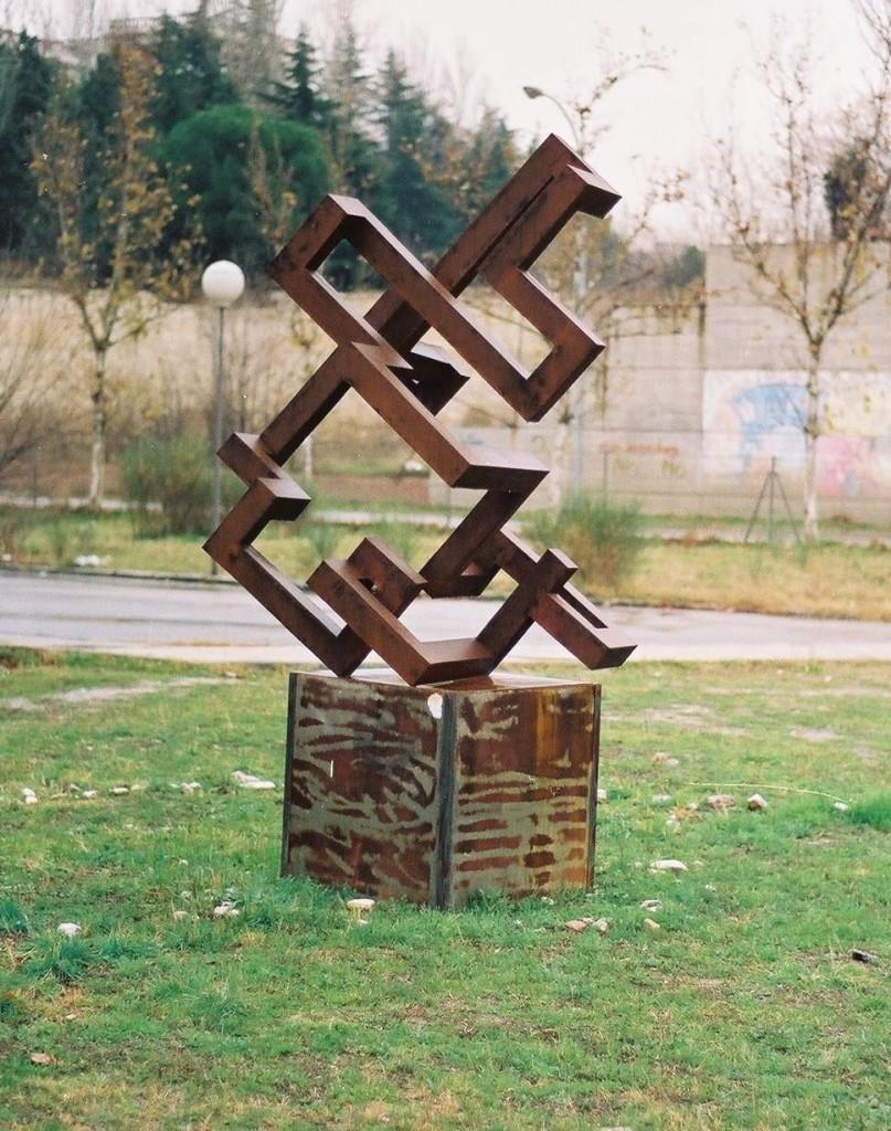 monumentos_LlABERINTO EN EL ESPACIO, MADRID 1991